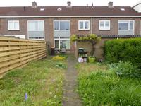 Anjerstraat 33 in Steenbergen 4651 MH