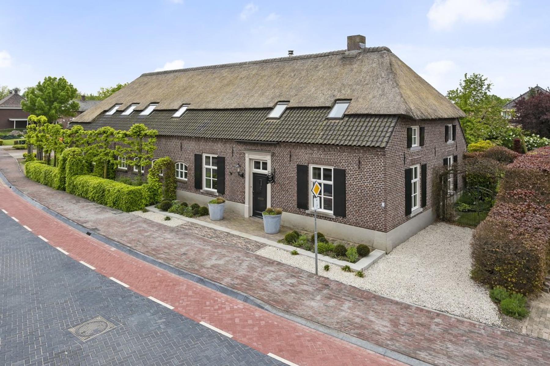 Dorpsstraat 45 in Ledeacker 5846 AB