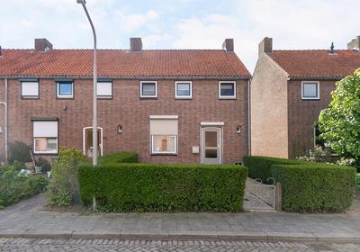 Adriaan G. Smitstraat 41 in Alblasserdam 2951 VA