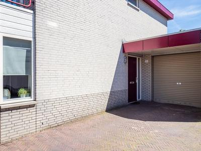 Donjon 20 in Waardenburg 4181 DD