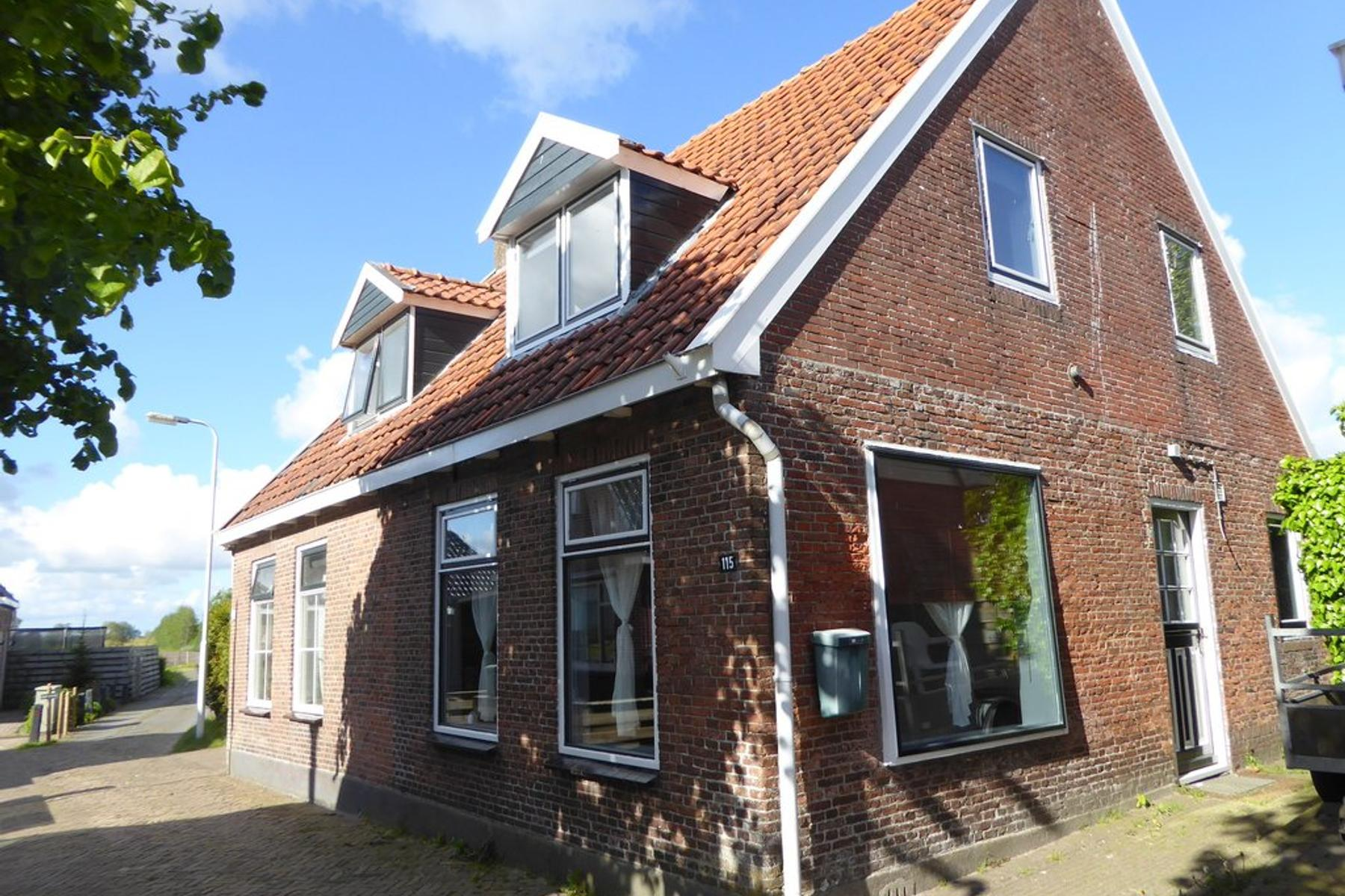 Rijksstraatweg 115 in Hurdegaryp 9254 DC