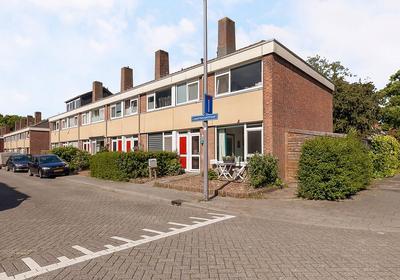 Lauernessestraat 1 in Hoogvliet Rotterdam 3193 PM