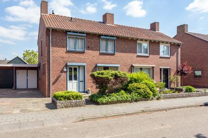 Oude Baan 44 in Reuver 5953 AS