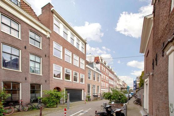Eerste Weteringdwarsstraat 60 3 in Amsterdam 1017 TP