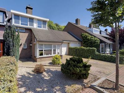 Piet Mondriaanstraat 11 in Oosterhout 4907 NX