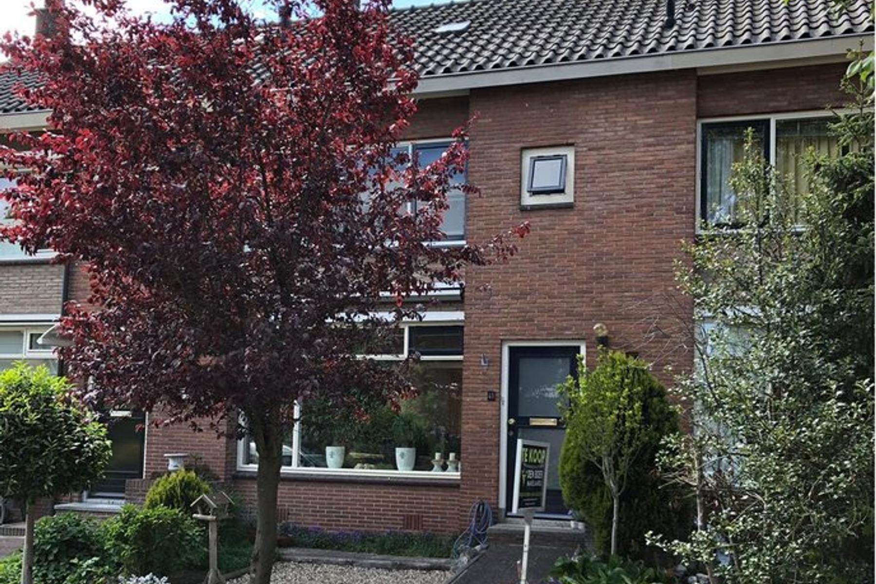 Lorentzweg 41 in Lekkerkerk 2941 VC