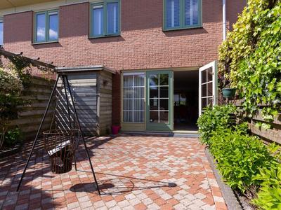Beethovenlaan 22 in Nieuw-Vennep 2151 GT