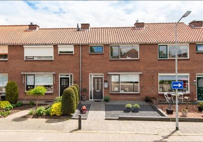 Van Boetzelaerstraat 31 in Asperen 4147 EG