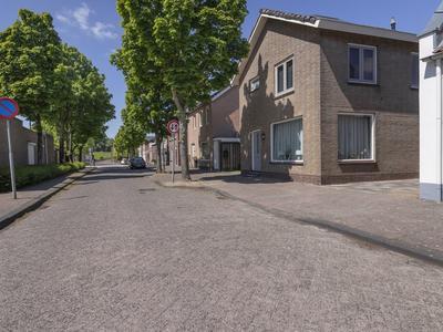 Grintweg 19 in Moerdijk 4782 AC