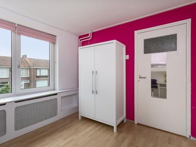 Sint Amandusstraat 16 in Oosterhout 4902 XP