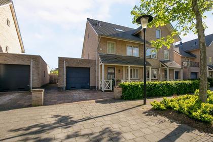 Vrijenburglaan 97 in Barendrecht 2994 GK
