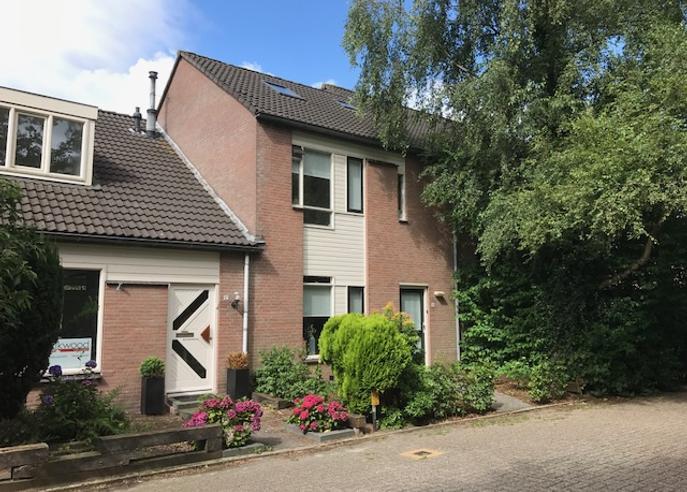 Hondsdraf 10 in Heerenveen 8446 SP