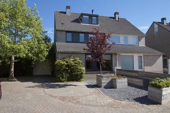 Smetanahof 66 in Hoorn 1628 SV