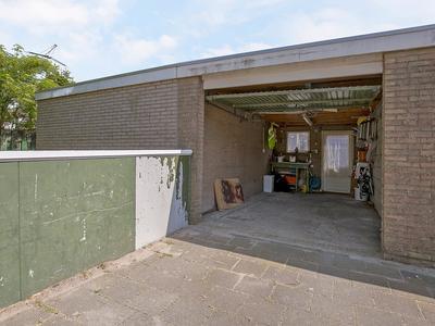 Venuslaan 83 in Nieuw-Lekkerland 2957 HM