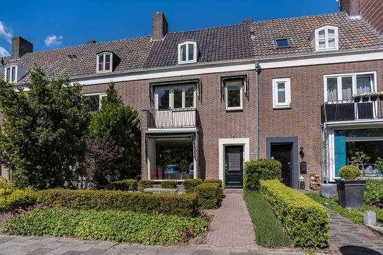 Koningin Julianastraat 33 in Emmeloord 8302 CD