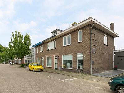 Amaliastraat 17 in Ridderkerk 2983 EA