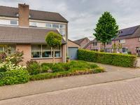 Meidoorn 32 in Prinsenbeek 4841 LT