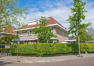 Burgemeester Enschedelaan 28 in Santpoort-Noord 2071 AV