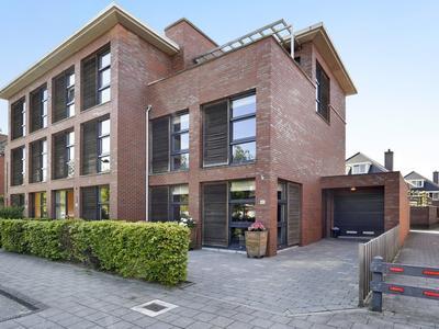 Overbeek 42 in Noordwijk 2201 JX