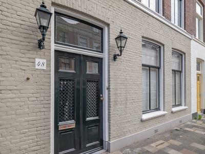 Riouwstraat 48 in 'S-Gravenhage 2585 HC