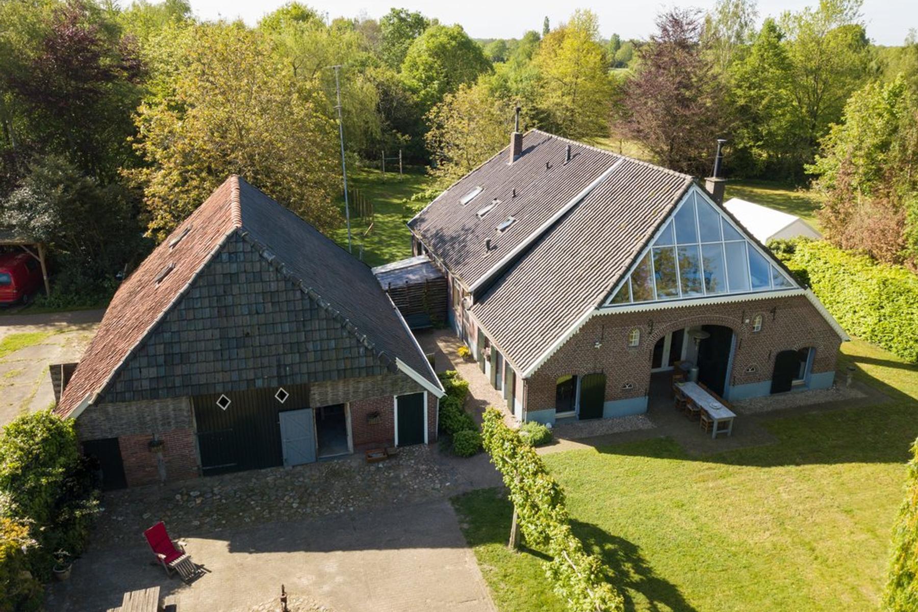 Rector Hulshofstraat 12 A in Harreveld 7135 TV