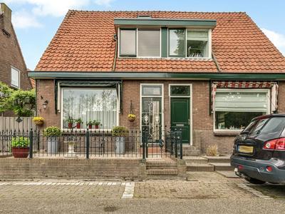 Burgemeester Fernhoutlaan 6 in Amstelhoek 1427 AJ