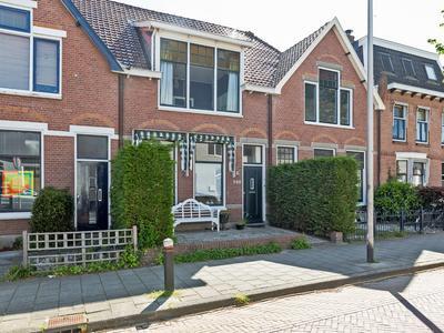 Hooftstraat 168 in Alphen Aan Den Rijn 2406 GP