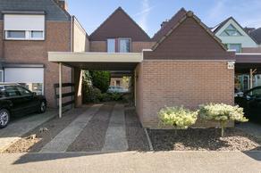 Burgemeester Thomas Wackersstraat 16 in Roermond 6041 AL