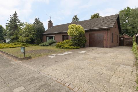Langstraat 11 in Deurne 5752 BE