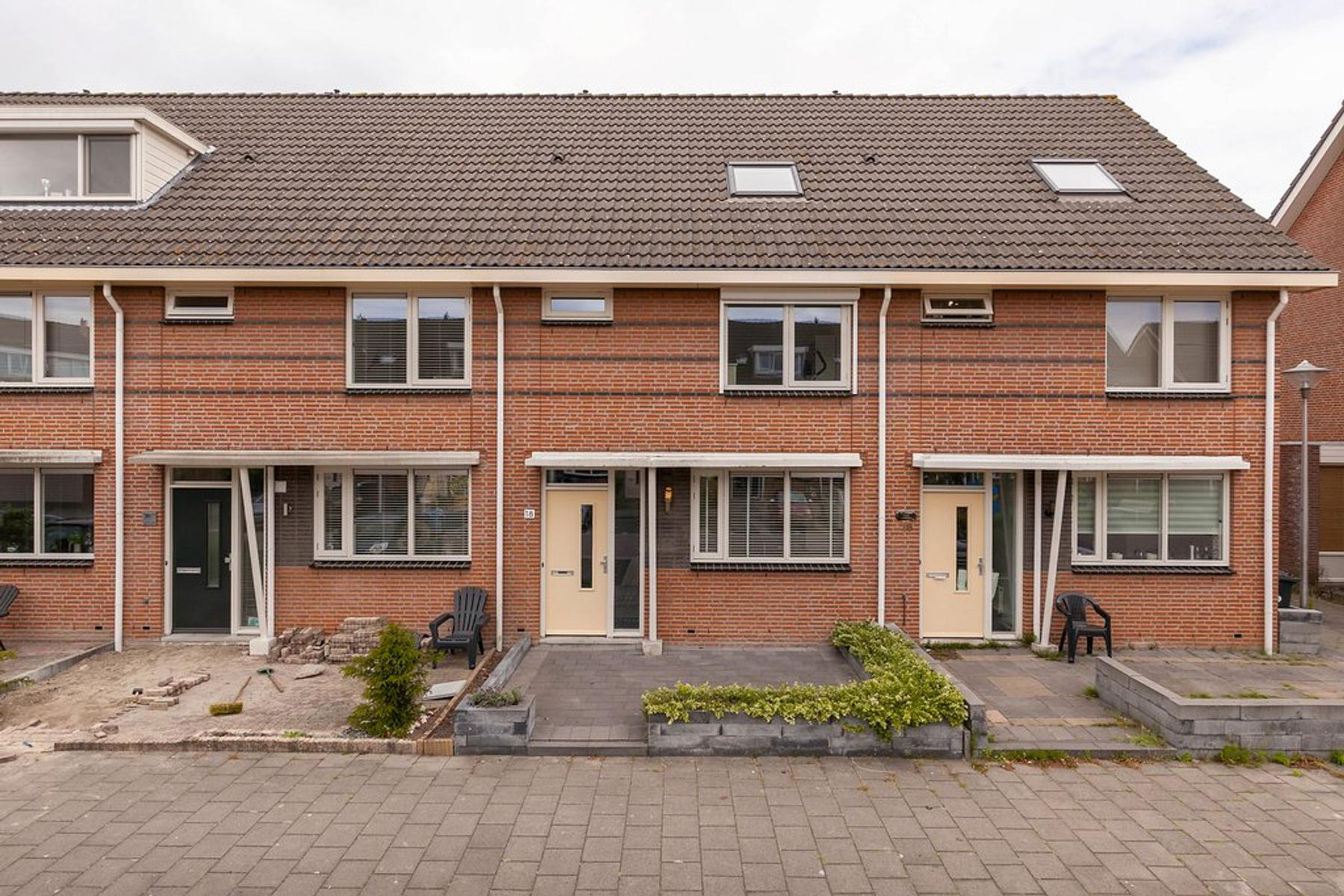 Pieter Johan Tijkenstraat 18 in Poortugaal 3176 VG