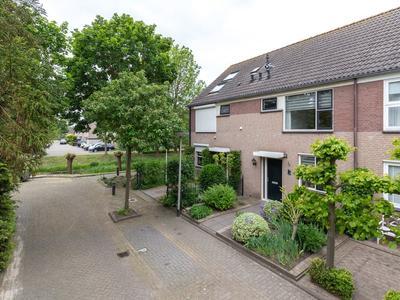 Ina Boudier-Bakkerstraat 18 in Lisse 2162 KM