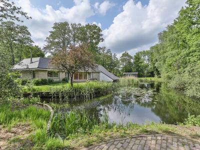 Meerwijk 9 in Midlaren 9475 TC