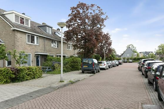 Abraham Rademakerstraat 36 in Ouderkerk Aan De Amstel 1191 EK