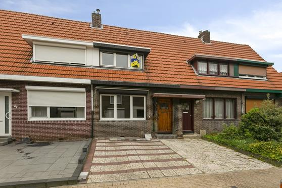 Nieuwenhagerstraat 79 in Landgraaf 6374 XP