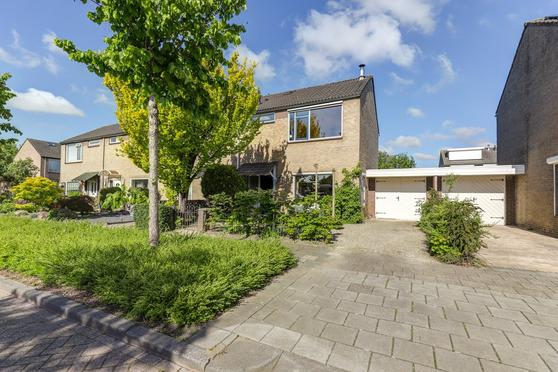 Vijverstraat 13 in Nieuwendijk 4255 HE