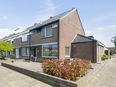 Zeestraat 147 in Zevenbergen 4761 HK