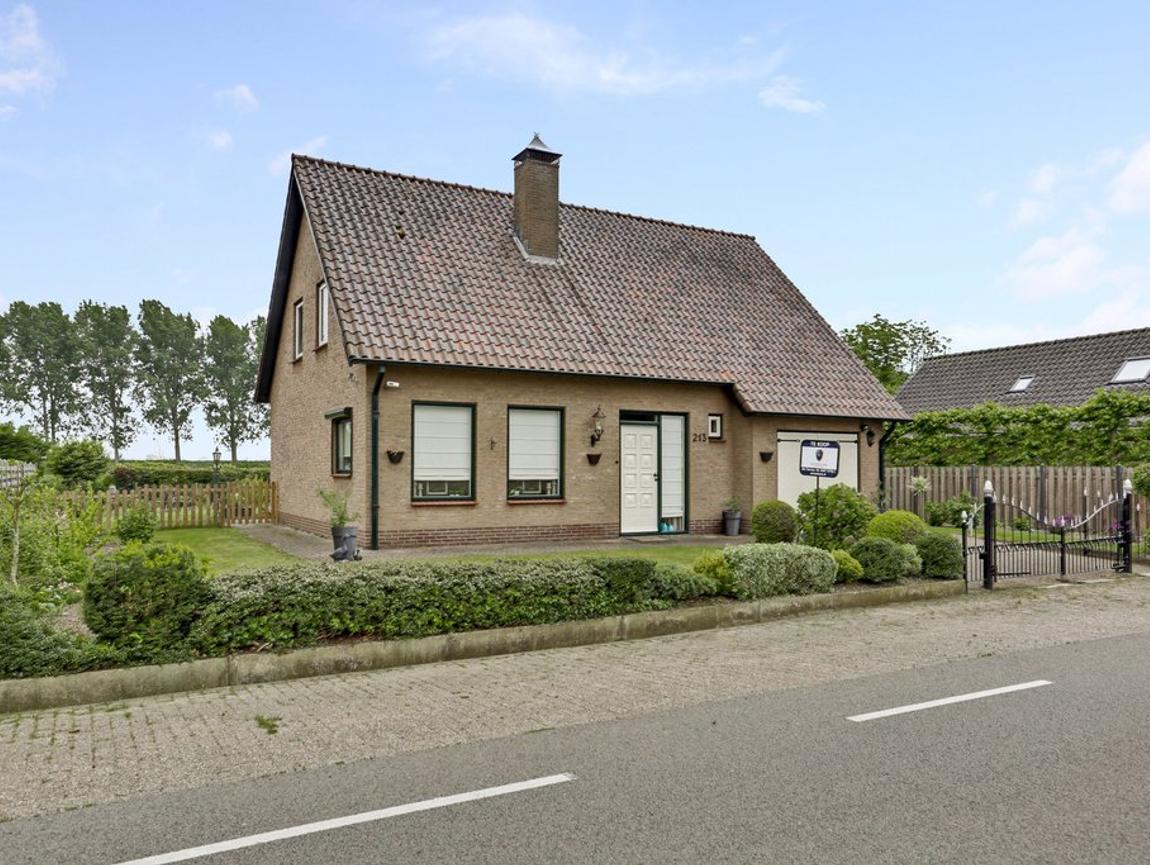 Zandstraat 213 in Sas Van Gent 4551 LG