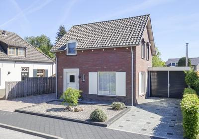 Nassaustraat 19 in Beek En Donk 5741 HR