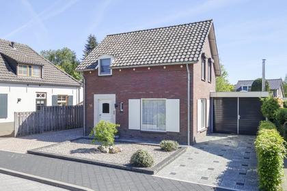 Nassaustraat 19 in Beek En Donk 5741 HR