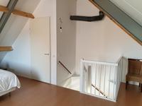 Indeling 2e verdieping:<BR><BR>Vanuit de overloop, door middel van een open, vaste trap is er toegang tot een grote zolderkamer. Deze is voorzien van een laminaatvloer. Via een gevelraam is er volop lichtinval.<BR>Er is een aparte CV-/ wasruimte voorzien van een laminaatvloer, de aansluiting voor de wasapparatuur, opstelling c.v. ketel (Bosch, bouwjaar 2008) en een opstelling WTW unit (bouwjaar 2008).