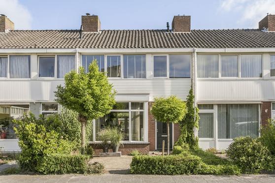 Handelstraat 75 in 'S-Hertogenbosch 5216 EM