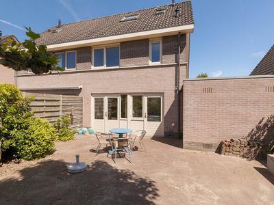 Johan Frisostraat 28 in Randwijk 6668 CB