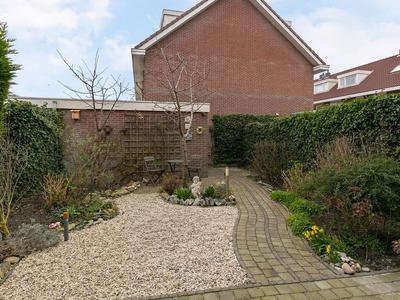 Natuursteenlaan 127 in Zoetermeer 2719 TB