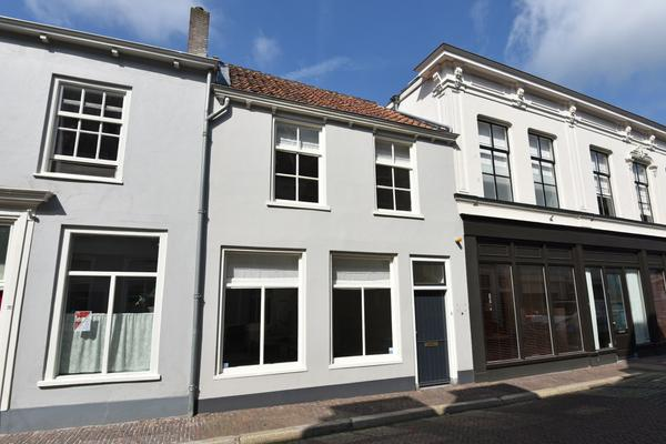 Oeverstraat 8 in Wijk Bij Duurstede 3961 AN