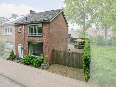 Nachtegaalweg 23 in Venlo 5915 BV