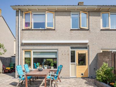 Hertog Albrechtstraat 281 in Bovenkarspel 1611 GJ