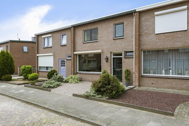 Herdenkingsstraat 11 in Weurt 6551 CA