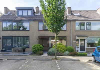 Iepstraat 10 in 'S-Gravenzande 2691 EX