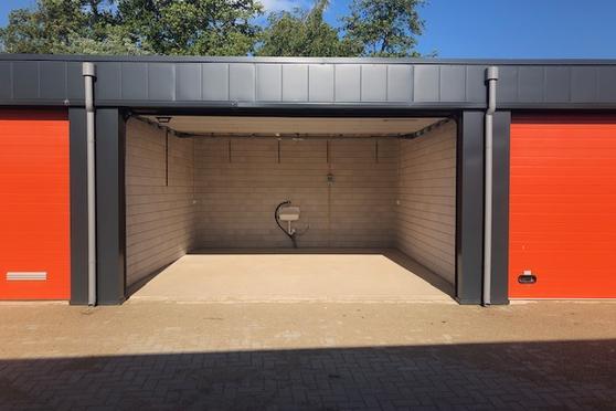 "Bergse Linker Rottekade ""Box010.Nl"" in Rotterdam 3034 KB"