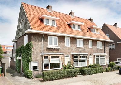 Maastrichtseweg 104 in 'S-Hertogenbosch 5215 AH